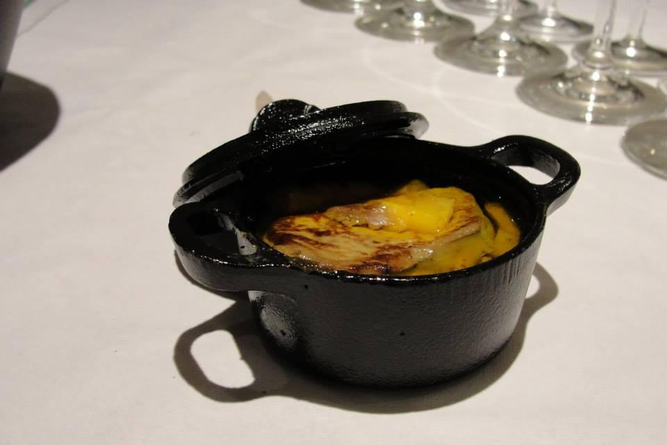 Roasted mango with fresh goose leaver